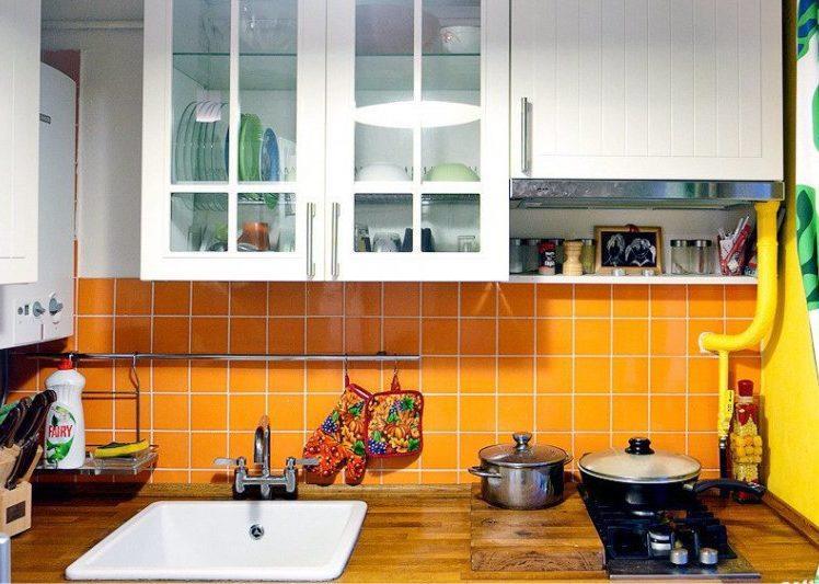 Газовая варочная панель типа домино на маленькой кухне в хрущевке