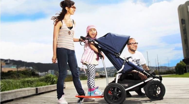 как выбрать прогулочную коляску для годовалого ребенка