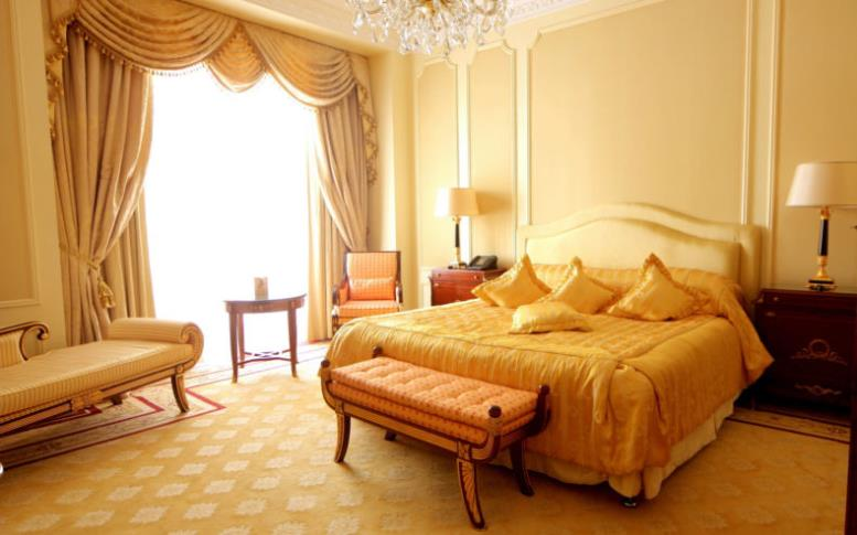 wallpapers-place-yellow-bedroom-idea