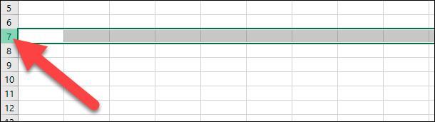 Microsoft Excel. Чтобы выделить несмежные строки, расположенные через разные интервалы, щелкните номер первой строки