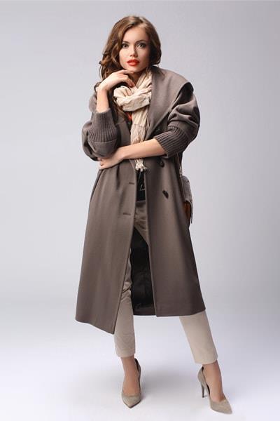 Длинное пальто с капюшоном Teresa Tardia табачного цвета