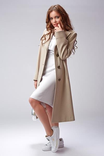 Модное классическое пальто бежевого цвета Teresa Tardia