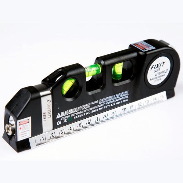 """Для работы лазера потребуется три батарейки типа """"таблетка"""""""
