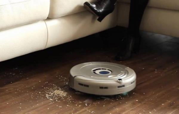 Уборка с помощью робота-пылесоса