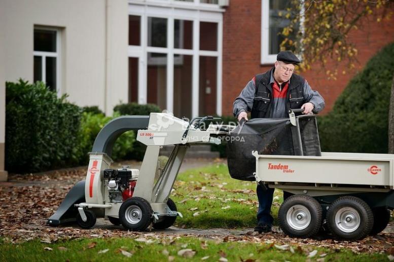 Бензиновый пылесос для уборки сада