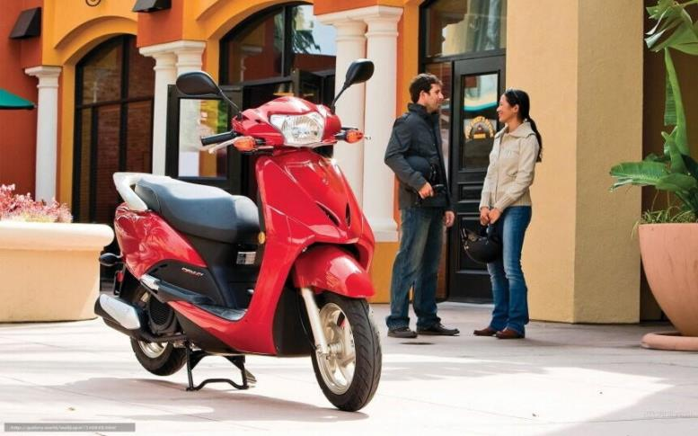 скутер, красный