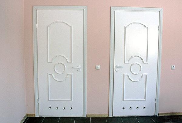 Пластиковые двери в ванную комнату (фото)