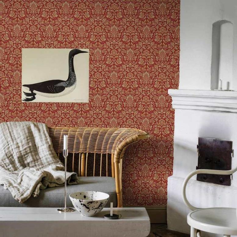 Декоративное покрытие на дизайнерских обоях выполняется из разнообразных материалов