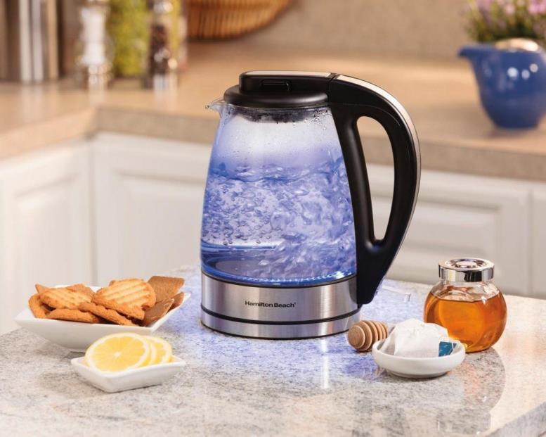 Электрический чайник не требует нагрева извне, поскольку его конструкция содержит внутренний нагревательный элемент