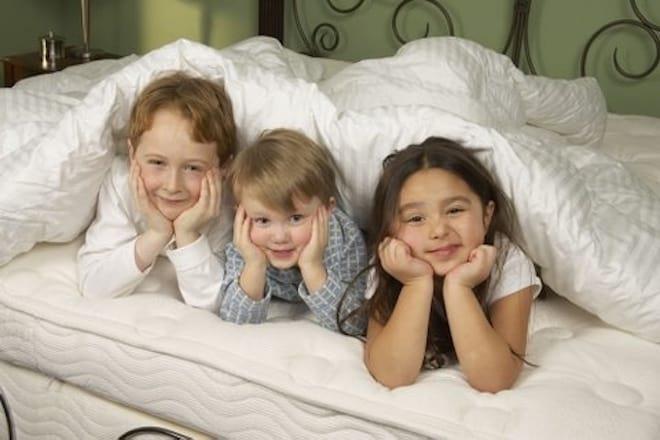 Какой жесткости матрас лучше для ребенка?