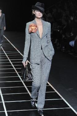 Модель брюк из шерсти