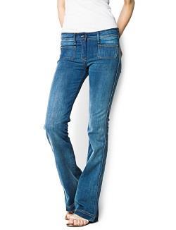 Расклешенный фасон брюк